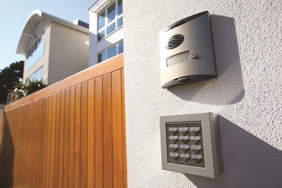 BEYHIF_MAR_Blog1_HomeAutomationSecuritySystem_PHOTO_93bfcf281d65f7bc570ec28c3e49221b